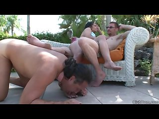 Cuckold slave worships a couples dirty feet