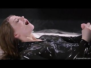Maria pie latex strapon solo until cumshot straplessdildo