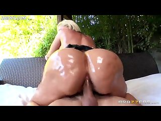 Alena croft takes it deep into her butt