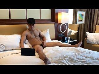 Muscular Chinese guy 2 huge cumshot