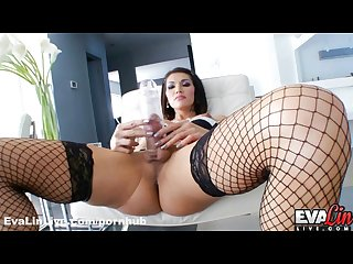 Beautiful ts eva lin pumps her big cock