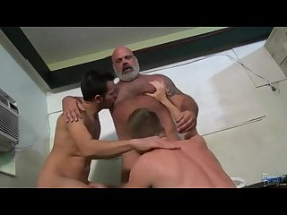Huge hairy daddy bear has rough dirty sex with two young jocks