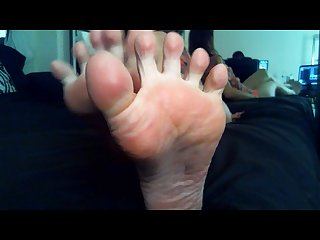Worship my oiled up feet