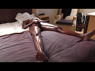 Ebony masturbate to orgasm oiled