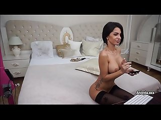 Anisyia fingering pussy and real clit orgasm!