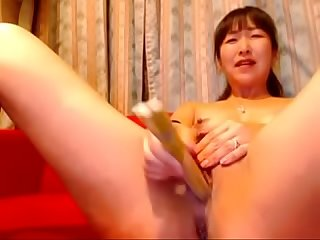 Japanese amateur milf on webcam