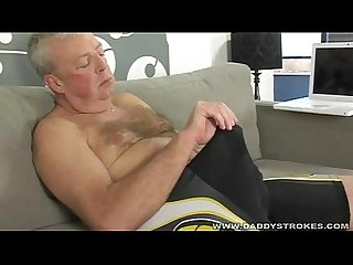 Daddy blows a monster load