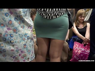 Candid - Lovely Round Milf Ass in Miniskirt