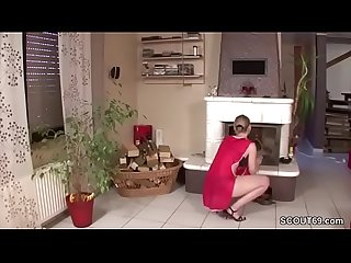 Geile putzfrau wird vom chef in den arsch gefickt