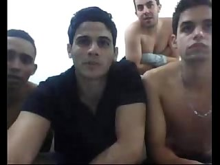 Boys brasileiros brincando na cam
