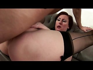 Mature amateur brit gets a cumshot