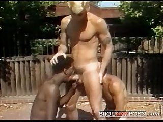 Outdoor Threeway and Voyeur - Classic 80s Gay Porn STUDENT