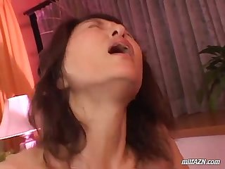 Milf giving blowjob for young guy getting her hairy pussy fucked cum to body on