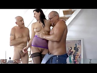 Mature brit takes cumshot