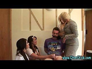 ง่า CFNM schoolgirls handjob