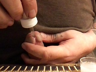 injecting friends cum in my pisshole