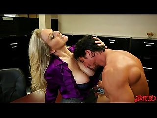 Great milf fuck muscle guy in office