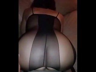 Culona mexicana disfrutando de su amante