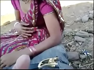 Desi Randi suck cock in outdoor hindi audio