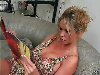 Lick my milf pussy lick it